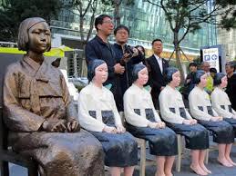 「慰安婦像」の画像検索結果