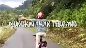 Includes transpose, capo hints, changing speed and much more. Story Wa Rasanya Aku Sedang Melayang Mungkin Akan Terba Mp3 Video Mp4 3gp M Lagu123 Fun