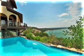 La Villa Vista Lake Travis Austin Bed and Breakfast
