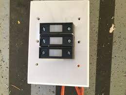 2017 sommer garage door opener wall switch wont close