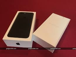 iphone 7 plus black box. we got the black colour variant of iphone 7 plus. it is packed in standard apple retail box. iphone plus box \