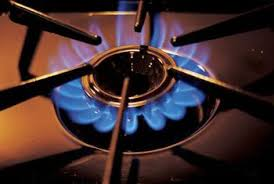 gas stove flame. A Yellow Burner Flame Means The Is Not Getting Enough Air. Gas Stove