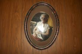 antique oval picture frames. ANTIQUE PICTURE FRAMES, DATE BACK TO 1800\u0027s THEY HAVE CONVEX SHAPED BUBBLE GLASS, MADE OF TIGER OAK WOOD. THE PHOTO\u0027S ARE FAMILY MEMBERS WHO PASSED Antique Oval Picture Frames