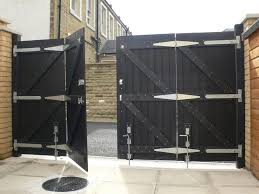 recycled plastic double gate rear view