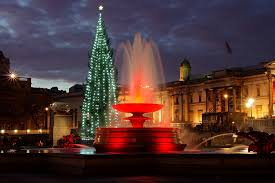 Trafalgar Square - Christmas Eve 2011 | One of the fountains… | Flickr