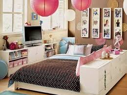 an easy but fundamental bedroom re decorating trick is to try to fill up some of the blank space it is usually preferred to utilize the available space