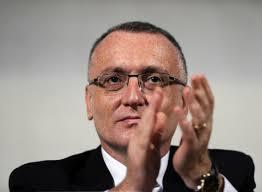 Reactii dupa numirea lui Sorin Cimpeanu drept premier interimar. Iohannis nu l-a vrut pe Dusa - Stirileprotv.ro