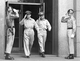 Image result for Japanese crouwds when macarthur comes out GHQ office