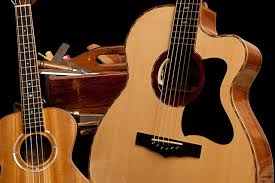 Chọn mua đàn guitar acoustic với giá rẻ ở đâu tại HCM
