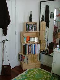 Introduction: Wine Crate Bookshelf