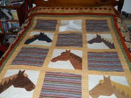 Horse quilt by Cowgirlquilts | Quilting Ideas - Find out more ... & Horse quilt by Cowgirlquilts | Quilting Ideas - Find out more about  Cowgirlquilts'Quilting project Adamdwight.com