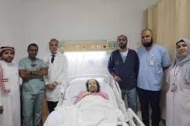 صور خالد سامي داخل المستشفى يطمئن جمهورة