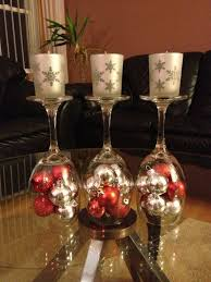 Wine glass decorating ideas for weddings Champagne Upside Down Wine Glass Centerpiece For Holiday Season Wedding Superweddingscom Upside Down Wine Glass Wedding Centerpiece Easy Wedding Diy