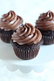 the best chocolate cupcakes handle