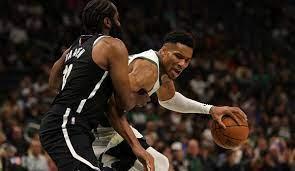 NBA: Giannis Antetokounmpo führt Milwaukee Bucks zu Statement-Sieg gegen  die Brooklyn Nets
