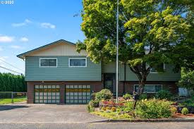 15485 SE Hartnell Ave, Portland, OR 97267 | Zillow