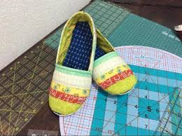 6 Quick Quilted Slippers Patterns to Sew & Mommy and Me Slippers Adamdwight.com