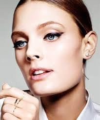 how to create flawless cat eye makeup in 7 easy steps