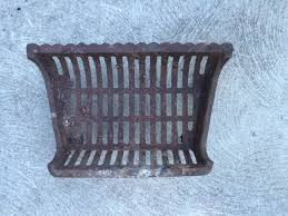 18 vintage cast iron fireplace grate indoor and outdoor salvage 1 of 4 18 vintage cast iron fireplace grate