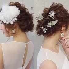 結婚式の髪飾りのマナーと選び方お呼ばれは相応しい髪型で