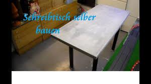 Diy Tisch Aus Paletten Und Beton Selber Bauen Beton Schreibtisch