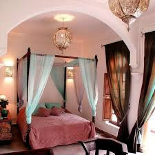 Moroccan Themed Bedroom With Lanterns And Canopy Bed With Fabrics ...