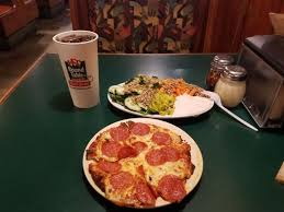 round table pizza 2019 all you need to know before you go with photos pizza yelp