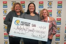 Raffle Ticket Bought With Lotto Winnings Earns Woman 100 000 Upi Com
