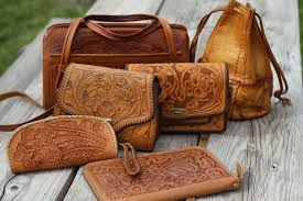 the chic country girl fashion vintage leather handbags my collection ping tips