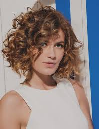 Images Coiffure Femme Coupe Carre Frisee Topcoiffuresme
