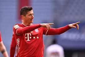 Robert lewandowski is a polish professional footballer who plays as a striker for bundesliga club bayern munich and is the captain of the po. Bayern Munich Lewandowski Edging Closer To Historic Feat