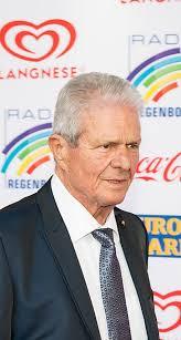 Was born on april 26, 1940) — the german entrepreneur, one of founders of sap company. Mais Que S Est Il Passe Avec Dietmar Hopp Le Richissime Proprietaire D Hoffenheim