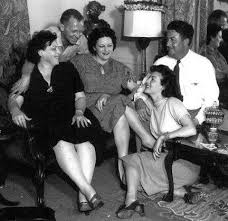 """Twitter पर vintage_actors: """"Ava Gardner with her sisters Myra and Inez  #avagardner https://t.co/S5wh35HueS"""""""