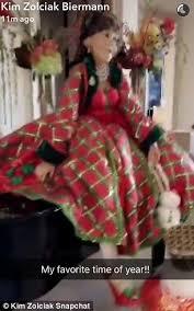 christmas decorations office kims. Kim Zolciak Shows Off Her Christmas Decorations On Snapchat | Daily Mail Online Office Kims N