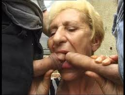 Scat Video Pee videos Scat into the mouth Oma Pervers No.4.