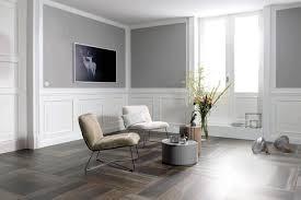Ein wohnzimmer mit gefliestem boden kann eine ungemütliche atmosphäre ausstrahlen. Fliesen In Holzoptik Schoner Wohnen