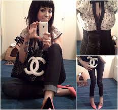 Holly . - Mustard Seed Ivy/Black Top, Reflex Jeans, Chanel Black And White  Carbon, Hot Pink Pumps - The sound of hearts pumping at the same beat    LOOKBOOK