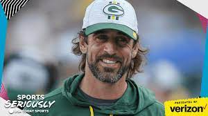 Aaron Rodgers picks up guitar in new ...