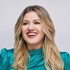 Kelly Clarkson - YouTube