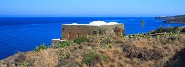 Pantelleria Lampedusa Colori Densi Circondati Dal Blu Mediterraneo