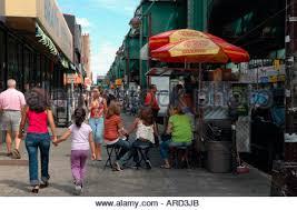 Along 9170416 Avenue Hispanic Eateries Jackson Roosevelt Nyc Alamy Queens Photo Stock - Heights