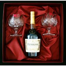 6902 melissa set 2 brandy glasses and bottle of hennessey in gift box