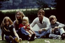 Robert redford is the father of 4 kids — meet all of them. Robert Redford With Wife Lola And Kids Famousfix Com Post