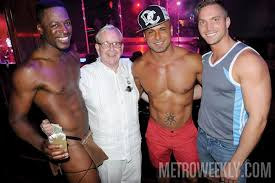 Club gay man private