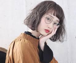 眼鏡女子はかわいく見える似合うフレーム髪型メイクを紹介