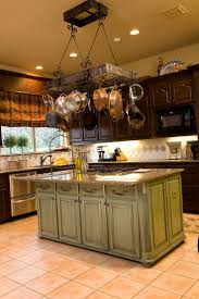 Custom Kitchen Islands That Look Like Furniture 1000 Ideas About Painted Kitchen Island On Pinterest Cream