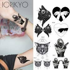 крутой панк стиль девушки тату наклейки вселенная кошки рука