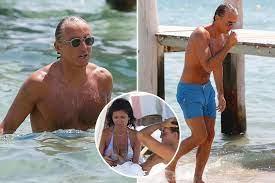 View 27 Roberto Mancini Wife
