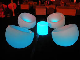 Make Your Own Glowing Furniture: DIY Glow-in-the-Dark Table by Mat Brown -  Freshome.com