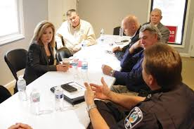 blackburn holds roundtable discussion with local law enforcement in franklin